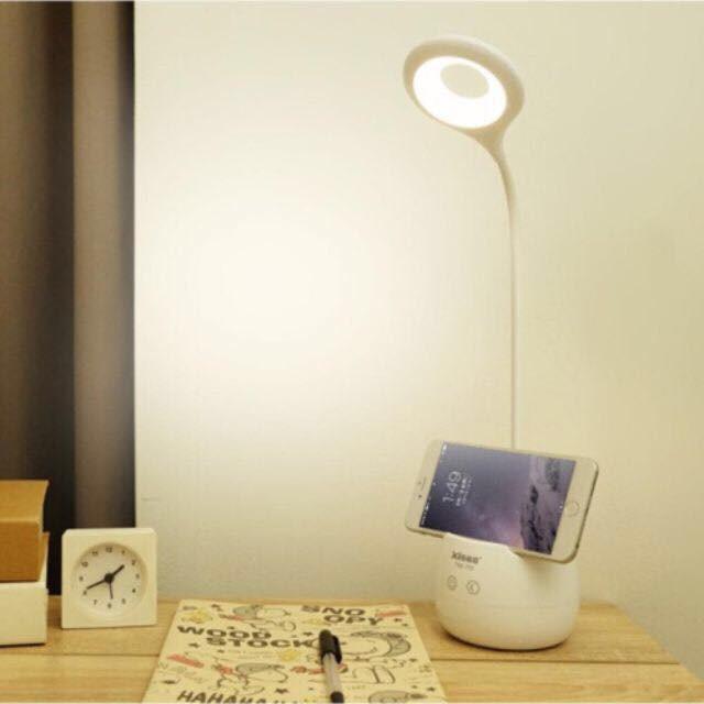 Đèn Học Chống Cận 3 mức độ chiếu sáng với ánh sáng vàng chống cận vượt trội