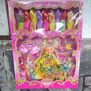 Búp bê barbie thay áo (40×50)