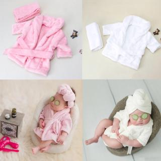 Bộ khăn quấn và áo choàng tắm làm phụ kiện chụp ảnh cho bé sơ sinh