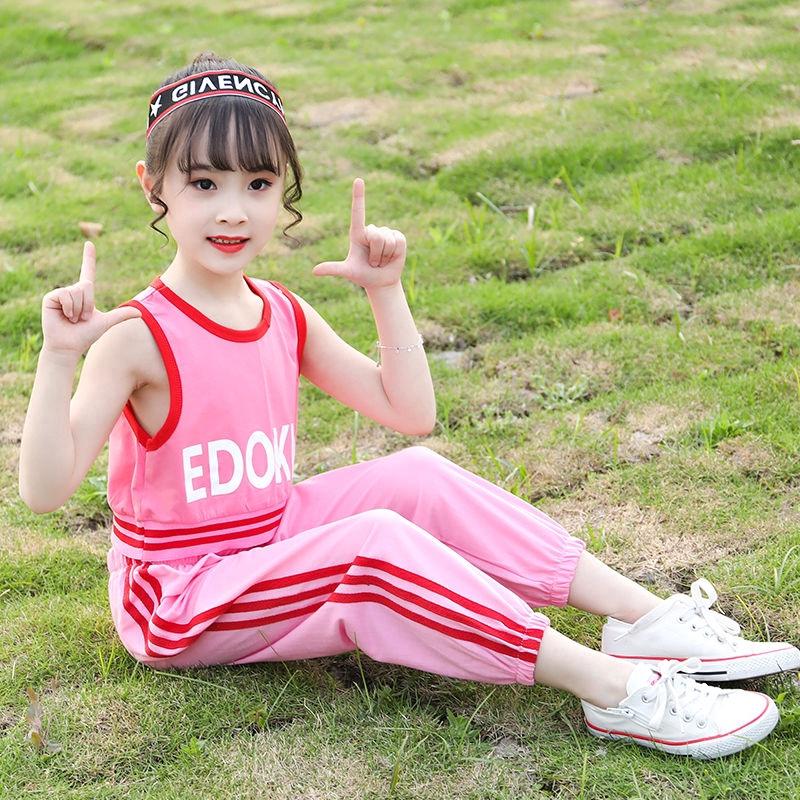 Set quần áo mùa hè xinh xắn dành cho bé gái - 14934211 , 2693902878 , 322_2693902878 , 207402 , Set-quan-ao-mua-he-xinh-xan-danh-cho-be-gai-322_2693902878 , shopee.vn , Set quần áo mùa hè xinh xắn dành cho bé gái