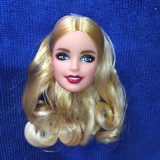Đầu búp bê barbie