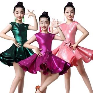 Đầm khiêu vũ biểu diễn bé gái