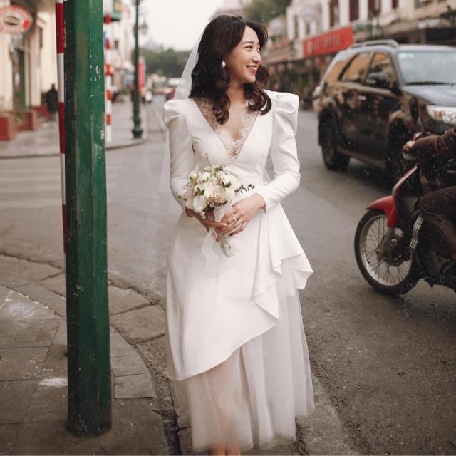 Pass lại váy cưới