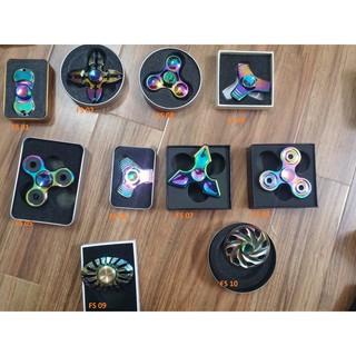 Fidget Spinner kim loại phủ màu đa sắc | Squishyvui