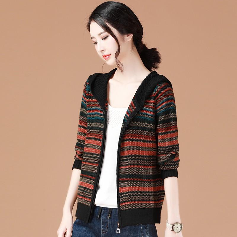 Áo khoác tay dài dáng rộng họa tiết kẻ sọc trẻ trung cho nữ