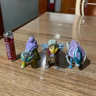 Mô hình pokemon bô ba huyền thoại (tomy)