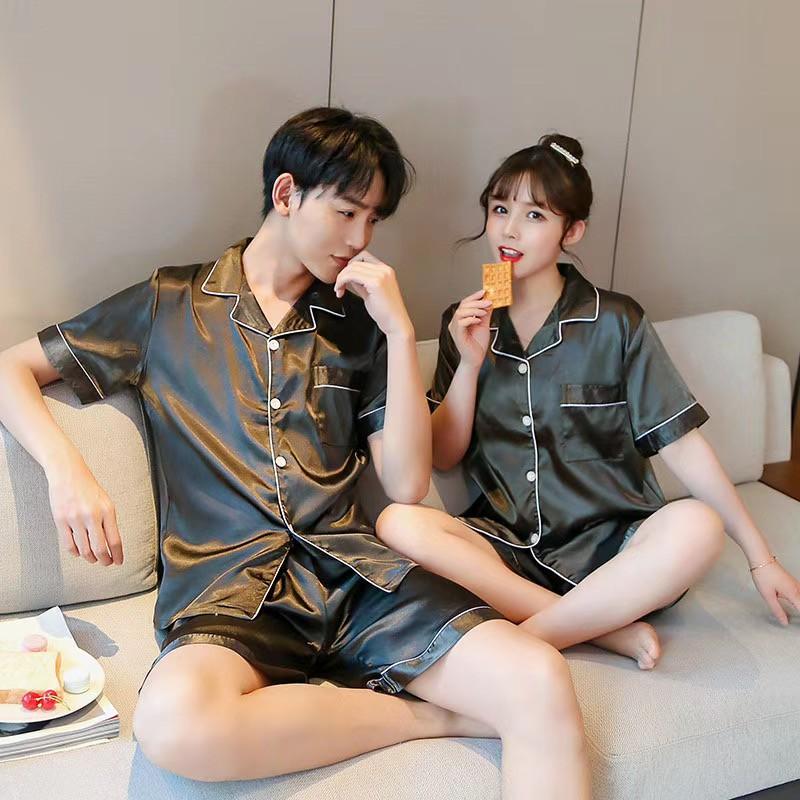 Mặc gì đẹp: Ngủ ngon với Bộ Đồ Ngủ Pijama Bằng Lụa Bóng Gợi Cảm Cho Cặp Đôi đồ ngủ đôi Các cặp đôi pyjamas pijama nam nữ mùa hè đồ đôi pijama ngắn lụa satin dễ thương bigsize đồ mặc nhà cao cấp