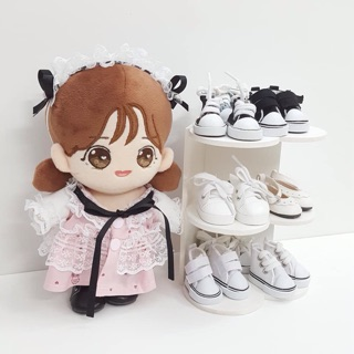 Kệ giầy hình tim cho doll