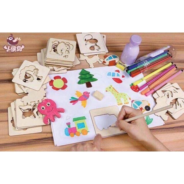 bộ đồ chơi khuôn vẽ bút màu cho bé ( loại 100)