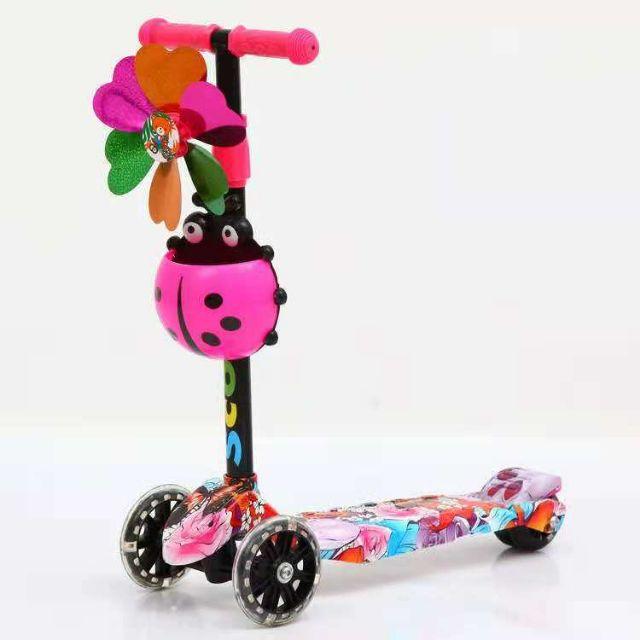 Xe trượt scoorter 4 bánh,có đèn,giỏ, chong chóng