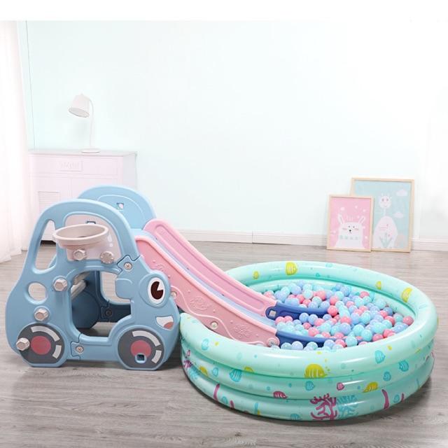 Cầu trượt cỡ to hình ô tô cho bé ( kèm bóng rổ, ném vòng)