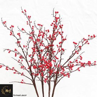 Cành đào đông đỏ giả dáng tự nhiên, mô phỏng thật nhiều quả – Meeli Decor