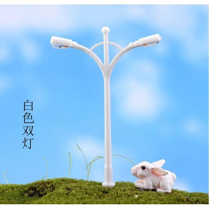 Mô hình cột đèn đôi màu trắng có LED để trang trí nhà búp bê, tiểu cảnh(SMD-32.2) - 2784289 , 396065247 , 322_396065247 , 15000 , Mo-hinh-cot-den-doi-mau-trang-co-LED-de-trang-tri-nha-bup-be-tieu-canhSMD-32.2-322_396065247 , shopee.vn , Mô hình cột đèn đôi màu trắng có LED để trang trí nhà búp bê, tiểu cảnh(SMD-32.2)