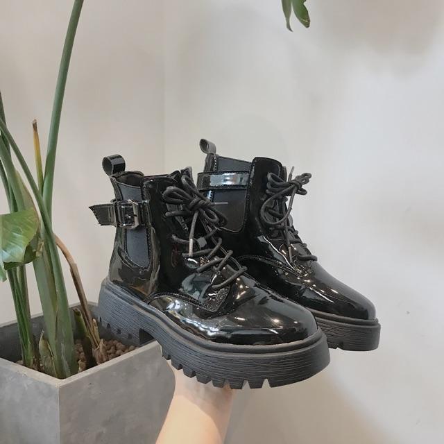 Boot da bóng siêu chất kèm ảnh thật ( form rộng khách chú ý lùi 1 size )
