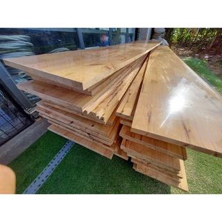 Mặt ván gỗ ghép dùng làm mặt bàn