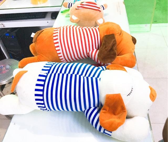 Gối ôm chó bông mặc áo kẻ sọc size 75cm