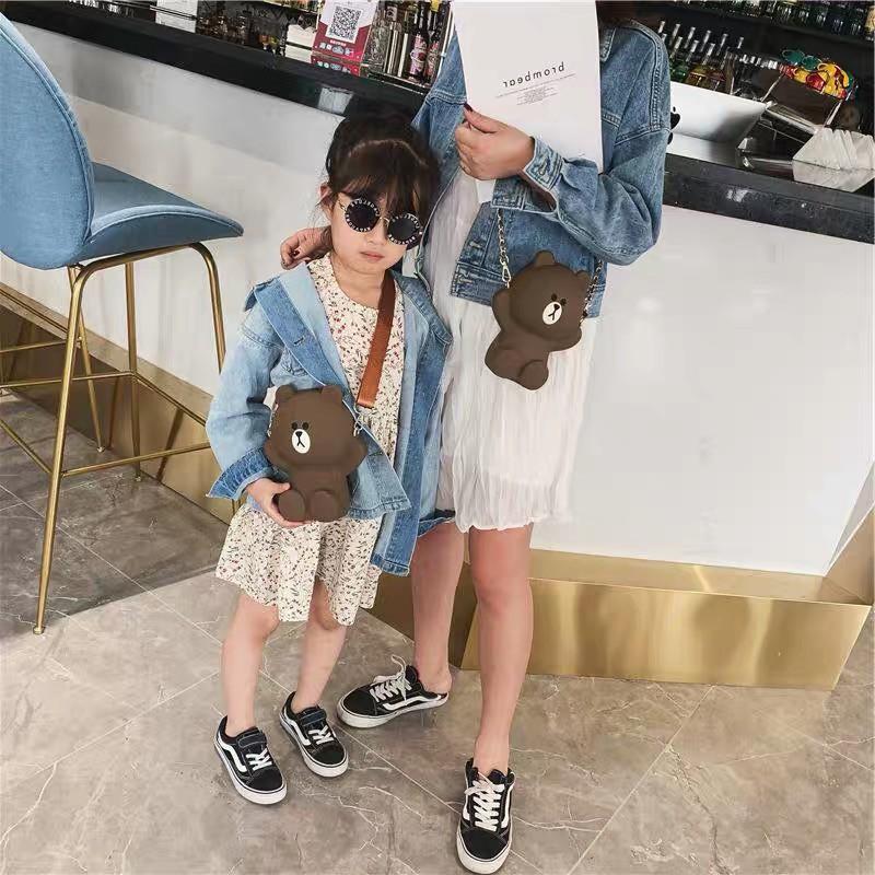 Túi gấu brown đeo chéo silicon siêu hót 2 dây