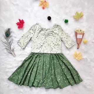 Váy xoè bé gái