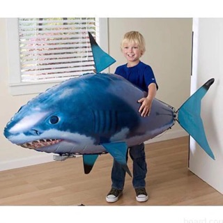 Cá mập biết bay điều khiển