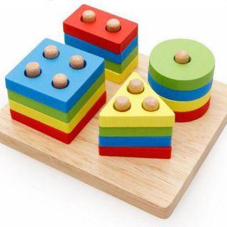 Đồ chơi giáo dục thả cọc 4 cột vuông bằng gỗ giúp bé học hình khối và màu sắc, luyện vận động tinh đôi bàn tay