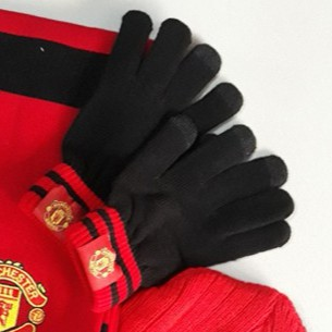 Găng tay Manchester United