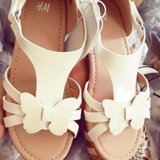 Dep sandal hoa cho bé gái