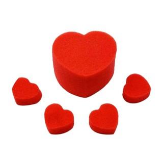 Banh xốp hình trái tim làm ảo thuật