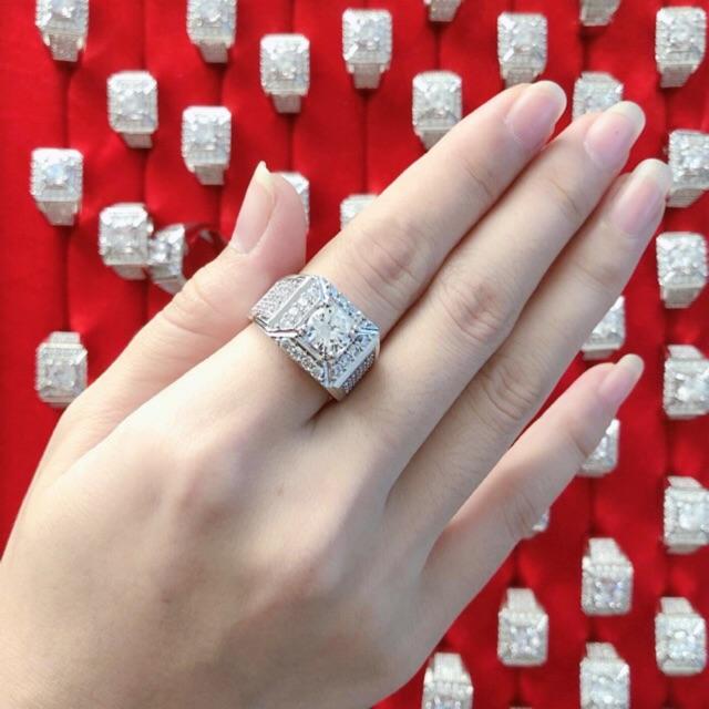 Nhẫn nam xi trắng bạch kim đính đá sang trọng