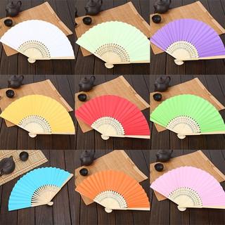 Quạt giấy đa màu sắc