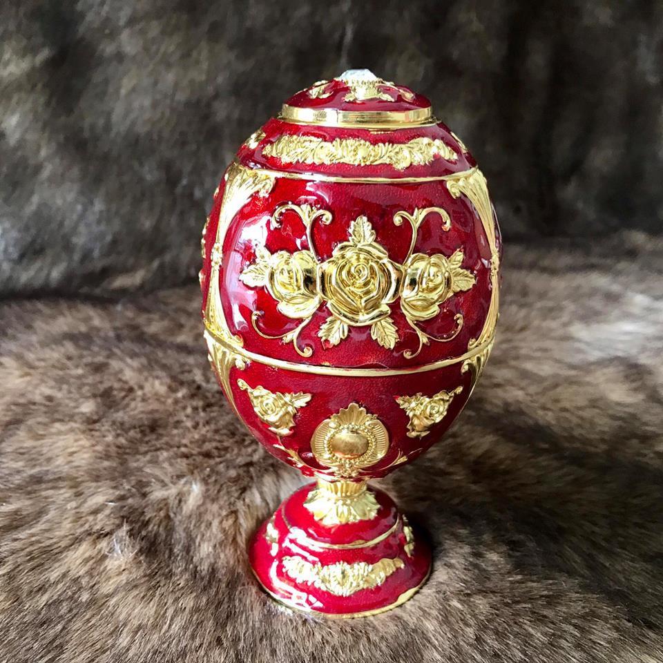 Trứng đựng tăm đỏ hợp kim mạ vàng Hoàng Gia Thái Lan chân cao