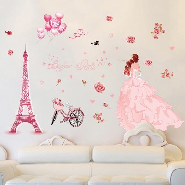 Decal dán tường cô gái váy hồng (60.90)