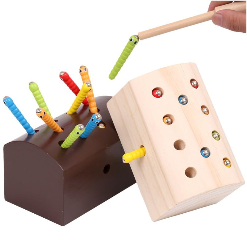 Hộp đồ chơi bắt sâu nam châm