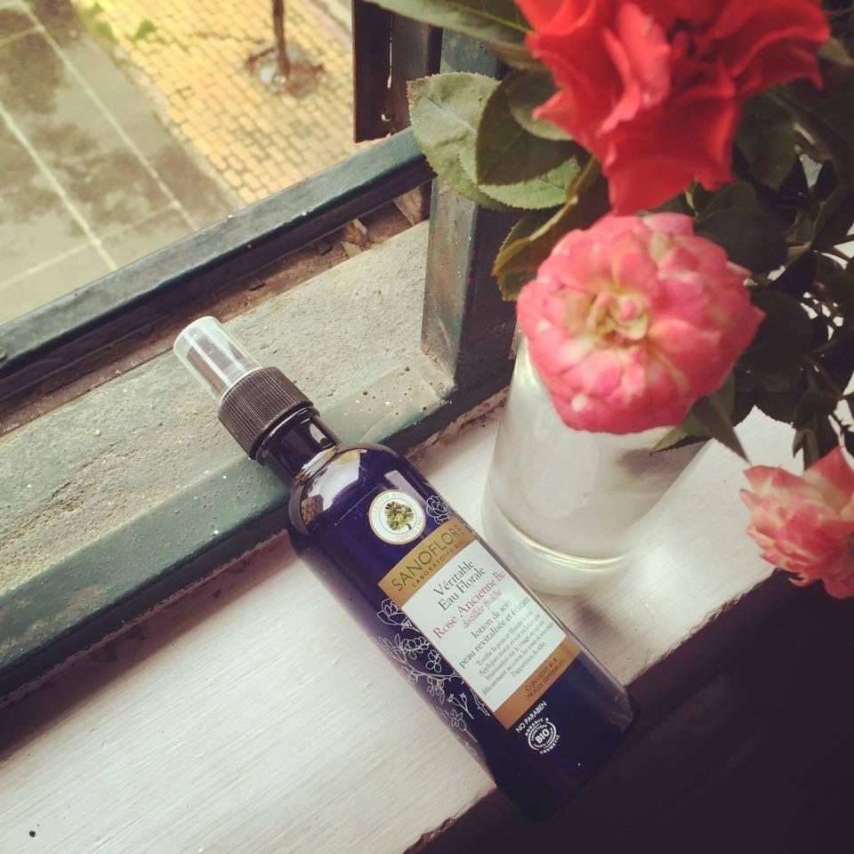 Sanoflore Véritable Eau Florale Rose Ancienne Bio - Nước Cân Bằng Da Cho Da Nhạy Cảm 200ml