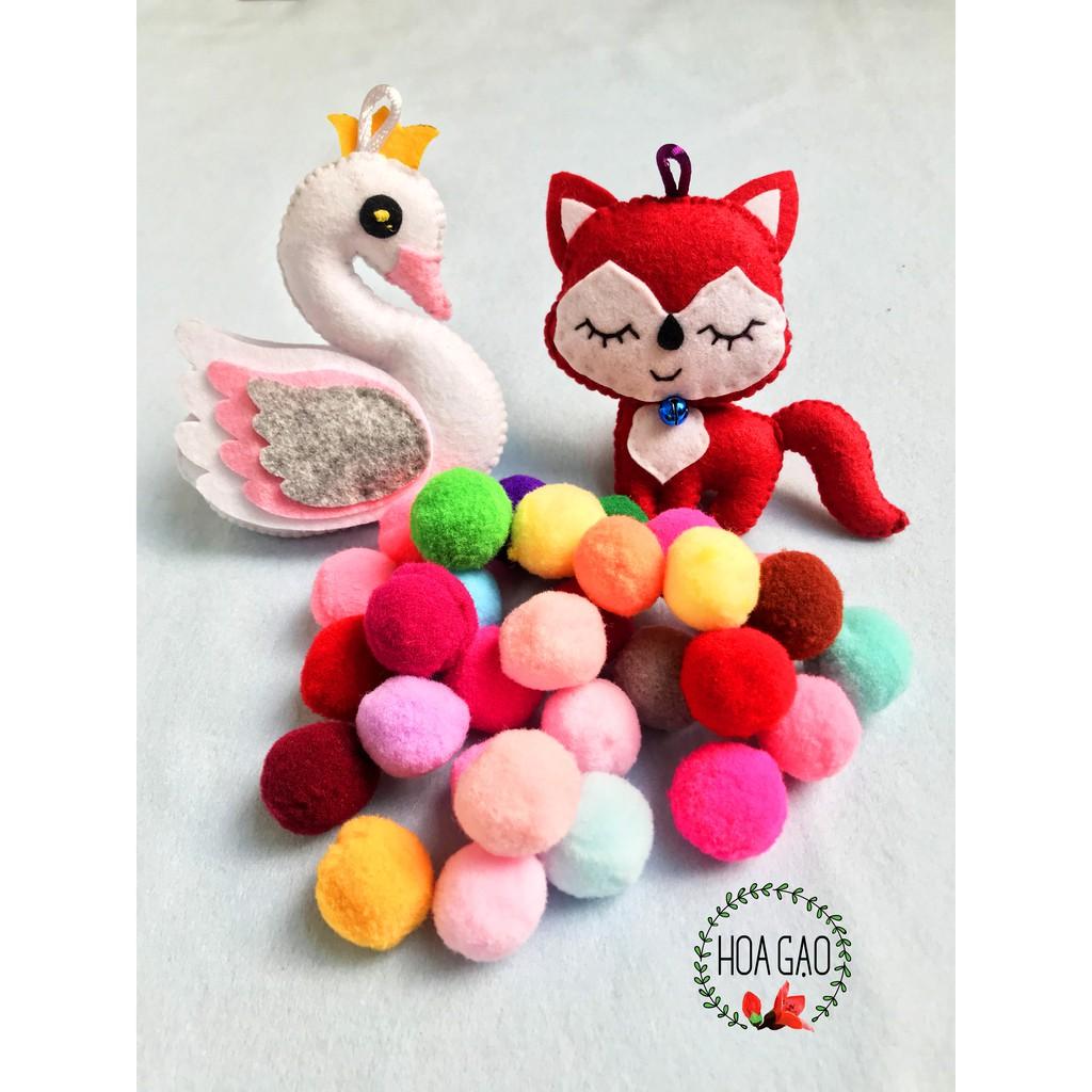 Pom pom đủ màu sắc size 2,5 cm (10 viên), dây tim, kim xỏ, phụ kiện treo nôi handmade cho bé sơ sinh