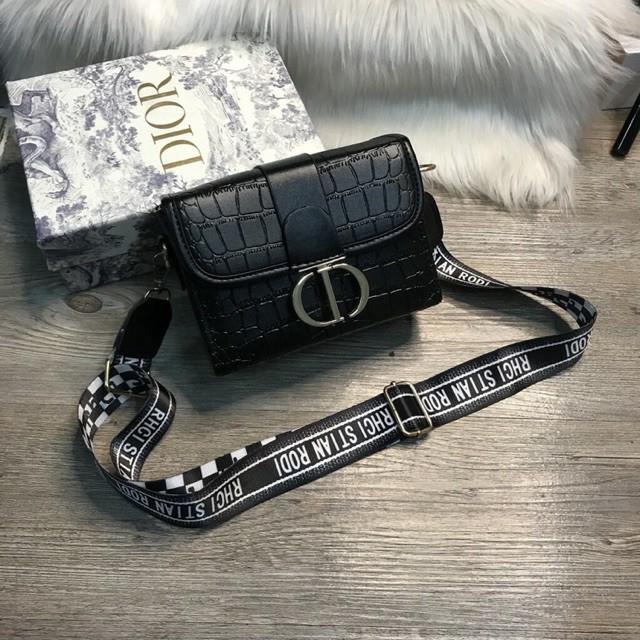 Túi xách nữ đẹp thiết kế thời trang khóa chữ CD xịn xò mã T213