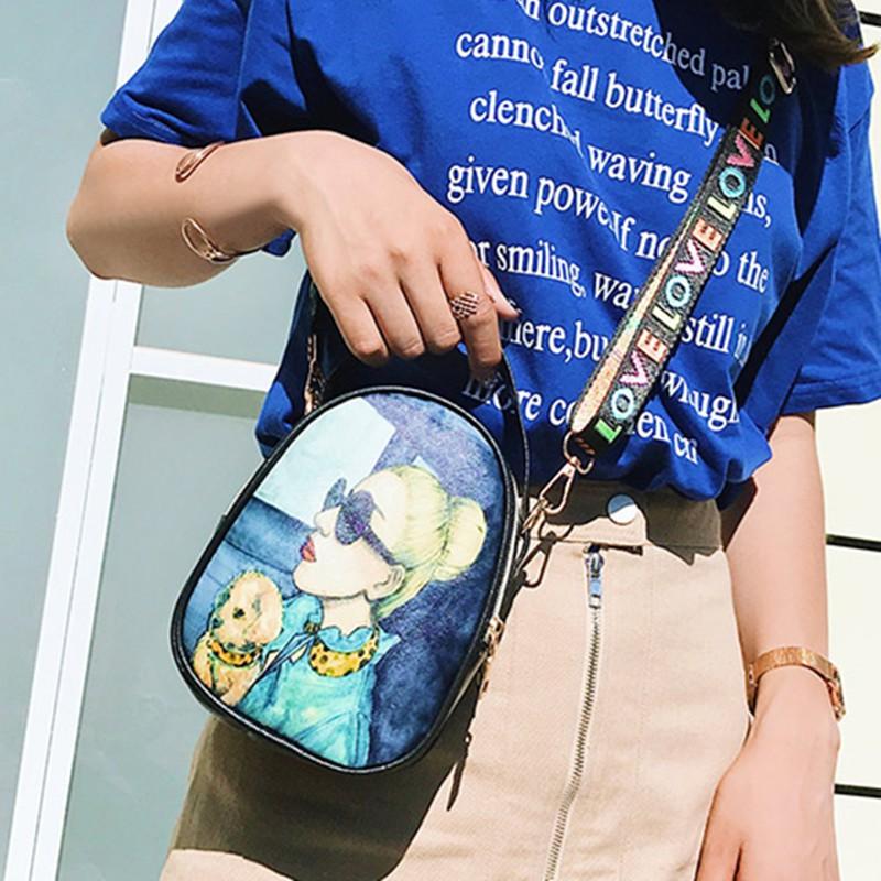 Túi đeo chéo mini hình cô gái chữ Love siêu hot hit  TXN31