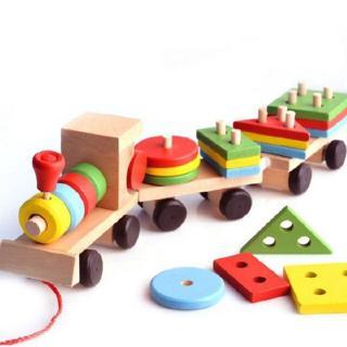 Đoàn tàu gỗ chở hình khối Montessori