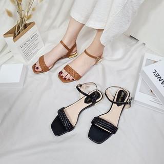 Giày sandal cao gót thời trang Byanca mũi vuông phối quai đan chéo màu đen cao 3cm_BS011