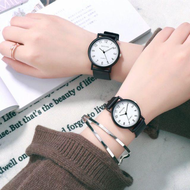 [Mã WTCHNOV20 hoàn 20K xu đơn 99K] Đồng hồ nam nữ MSTIANQ dây cao su mặt số thanh lịch