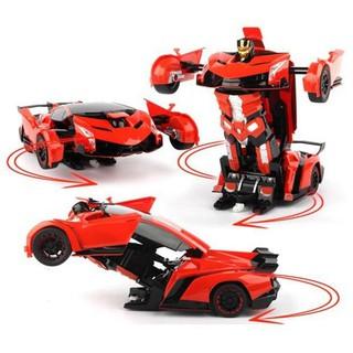 Xe Ôtô Biến hình Transformer biến hình robot dùng pin có nhạc có đèn cho bé ( không kèm pin )