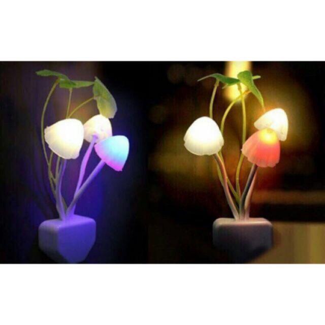 Đèn ngủ cảm ứng ánh sáng,đổi màu hình cây nấm
