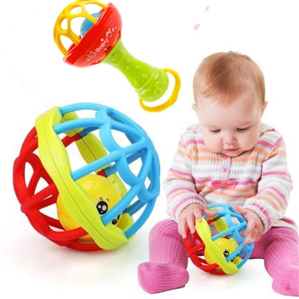 Đồ chơi cho bé từ 0 đến 2 tuổi