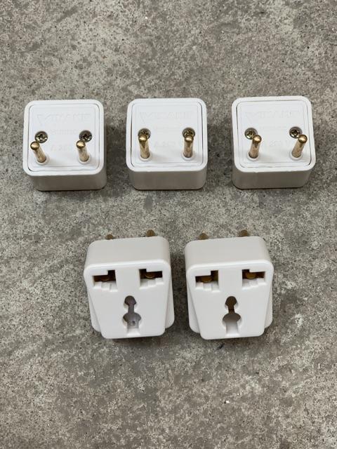 Phích cắm điện Vinakip chuyển đổi ổ 3 chấu thành 2 chấu - chuyển đổi sạc 3 chân - đầu nối ổ cắm 3 cực đa năng 10A 250V