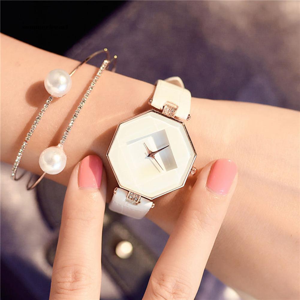【SUCM】Women 's Fashion Faux Leather Band Analog Quartz Rhombic Case Wrist Watch Gift