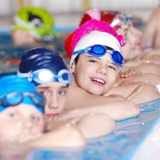 Mũ bơi kèm kính bơi (MiStore)