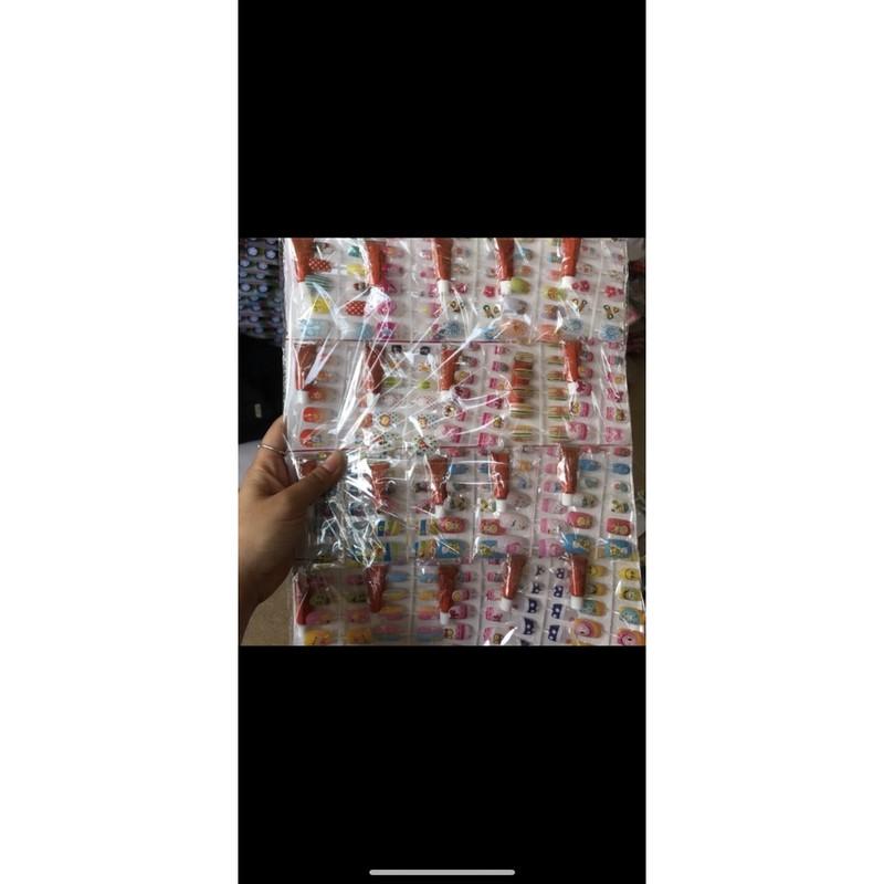 sỉ vỉ dán móng tay ( vỉ 20 bộ )