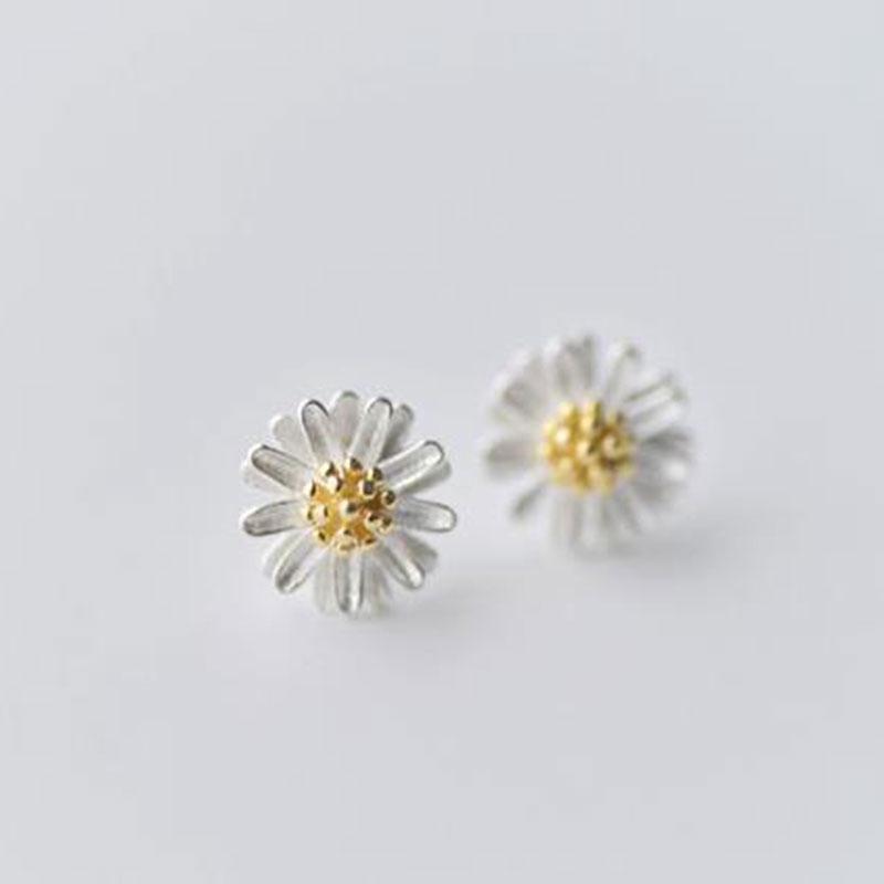 Bông tai hoa cúc kiểu Hàn Quốc