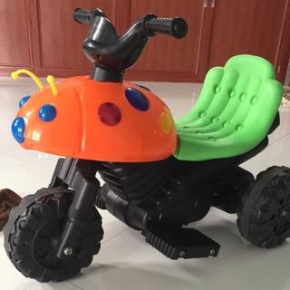 Xe máy điện cho bé có số tiến số lùi con bọ dừa