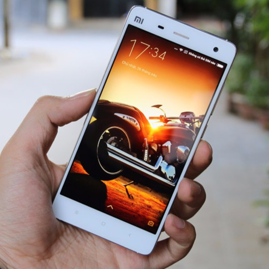 Điện thoại xiaomi mi4 mới chơi game mượt camera siêu nét đầy đủ tiếng việt.