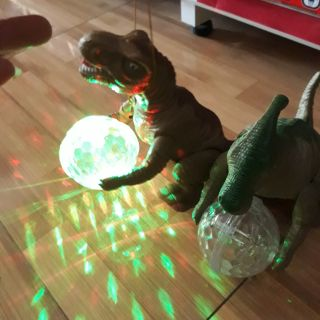 Đèn lồng hình khủng long